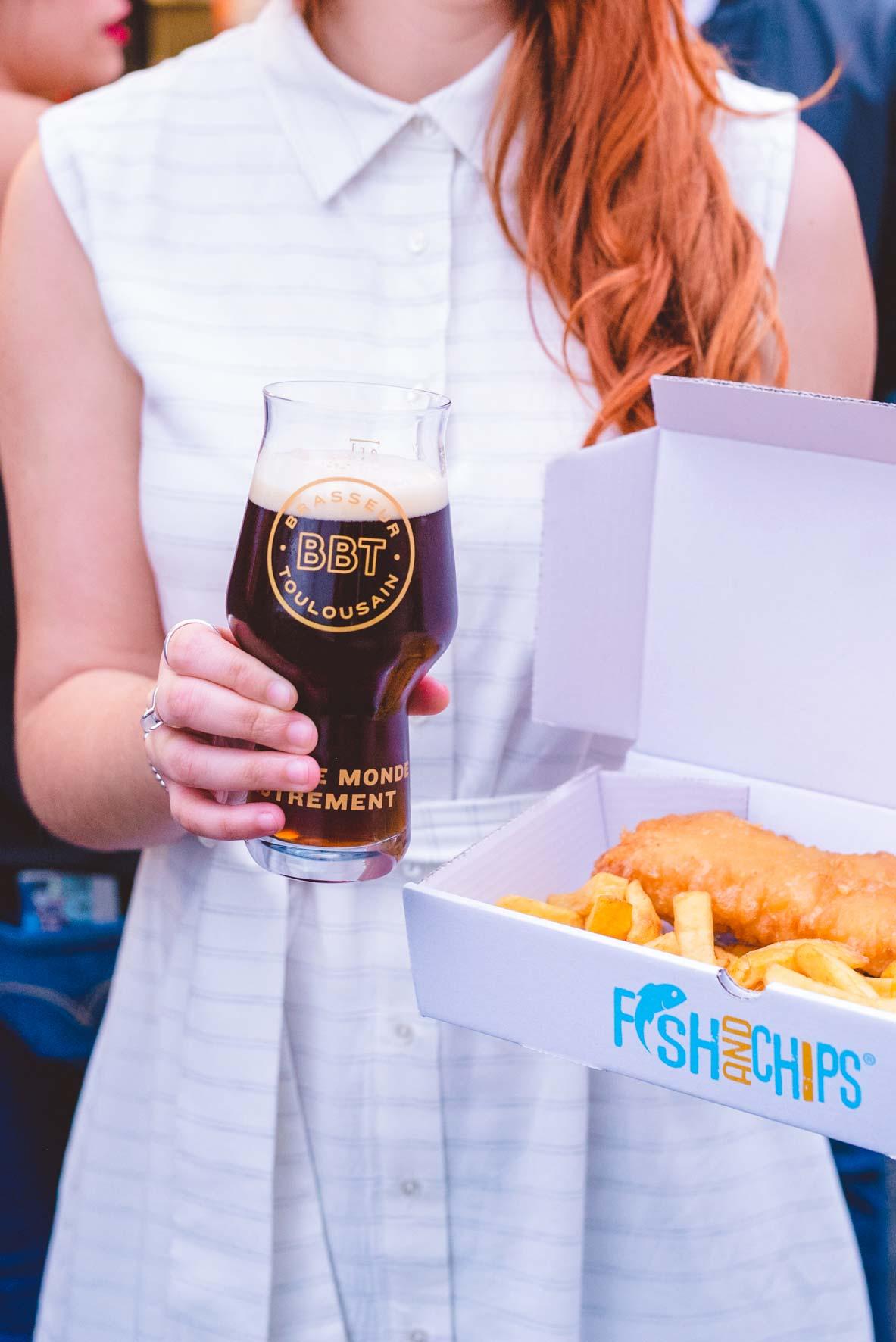 une bière et un fish & chips